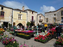monpazier square flower market - copie